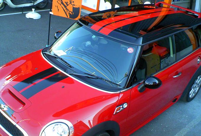 看板市場が制作した広告塔 ラッピング車輌マーキングの看板写真です